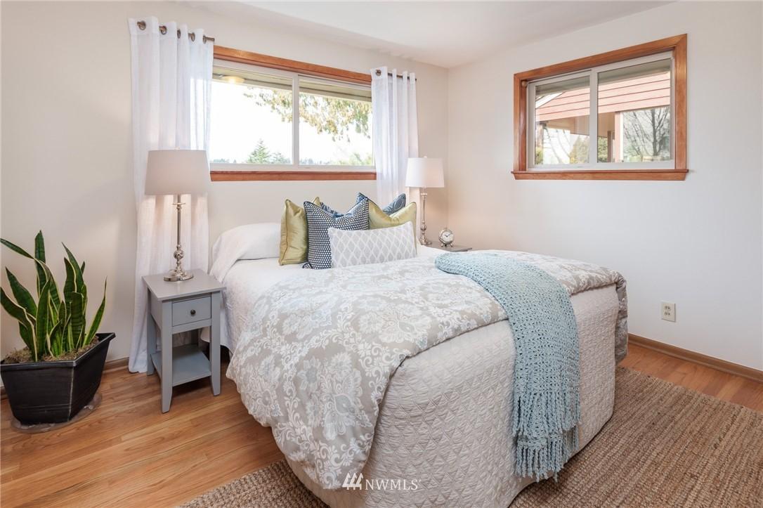 Sold Property | 8029 30th Avenue NE Seattle, WA 98115 15