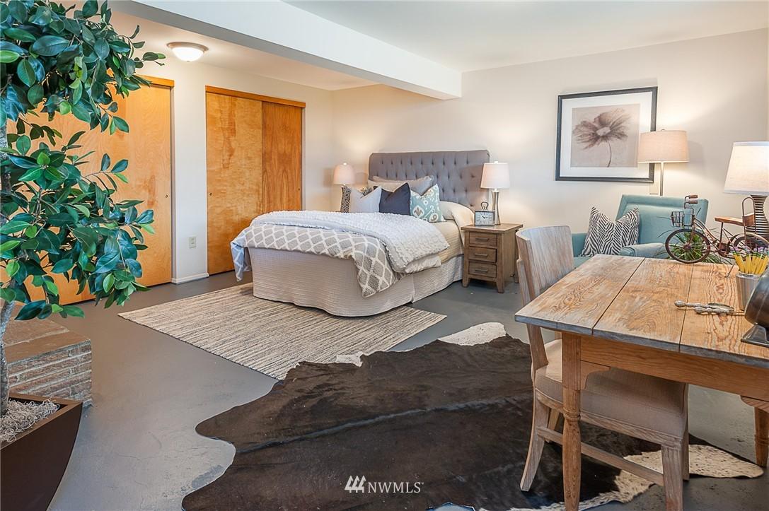 Sold Property | 8029 30th Avenue NE Seattle, WA 98115 18