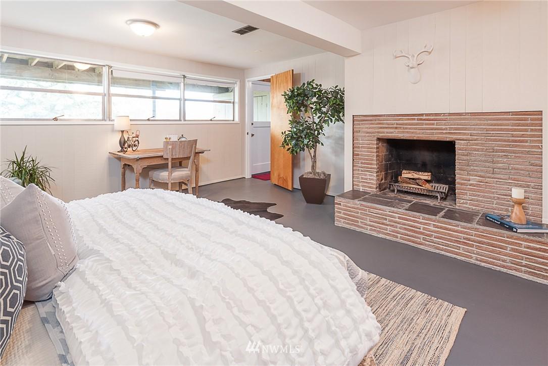 Sold Property | 8029 30th Avenue NE Seattle, WA 98115 17