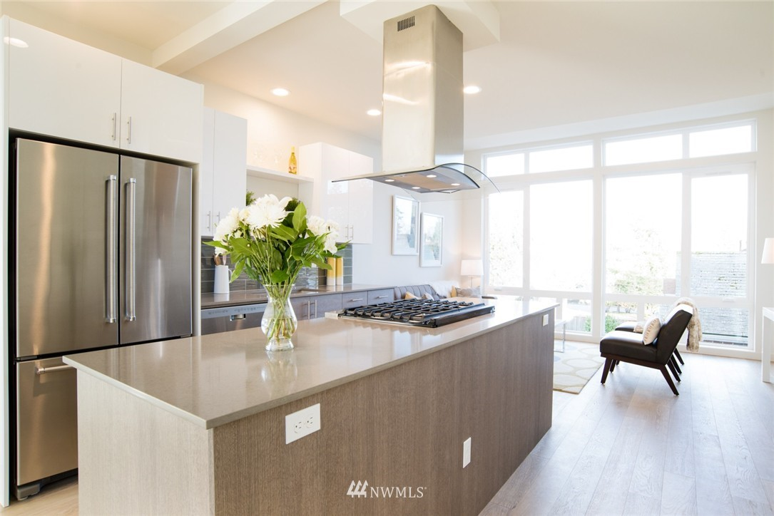 Sold Property | 1608 E Thomas Street Seattle, WA 98112 5