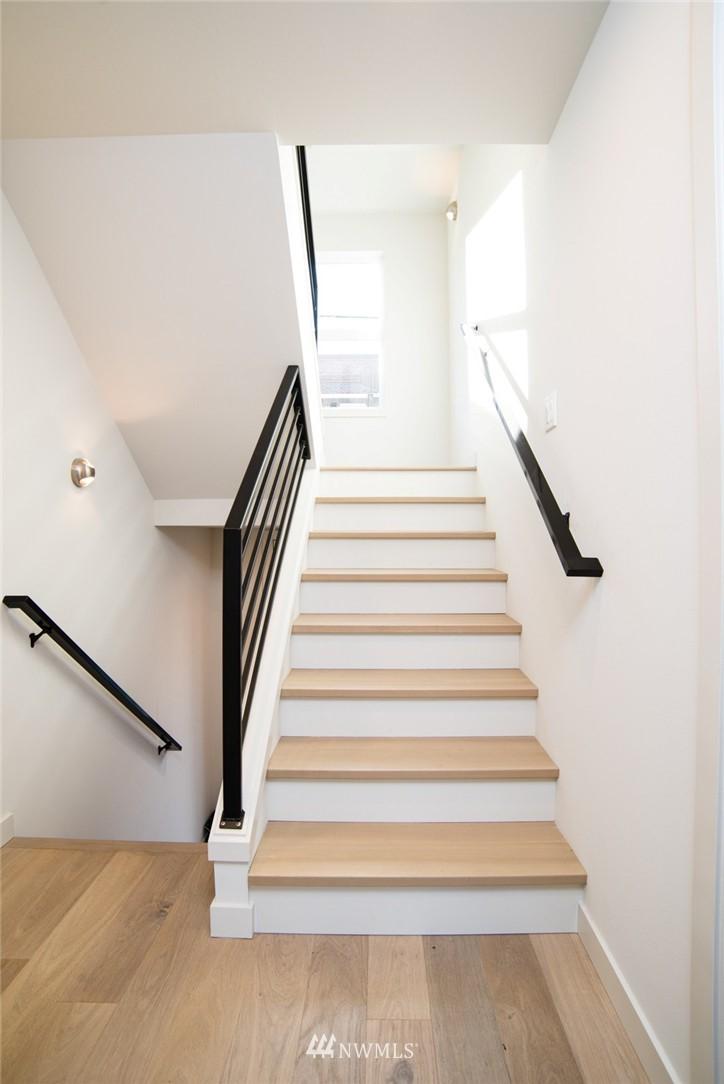 Sold Property | 1608 E Thomas Street Seattle, WA 98112 9