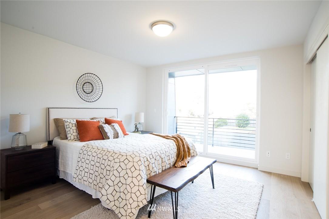 Sold Property | 1608 E Thomas Street Seattle, WA 98112 10