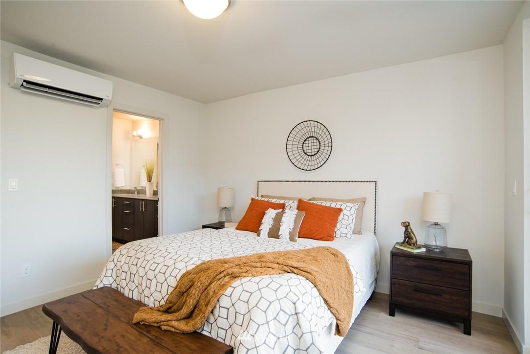 Sold Property | 1608 E Thomas Street Seattle, WA 98112 11