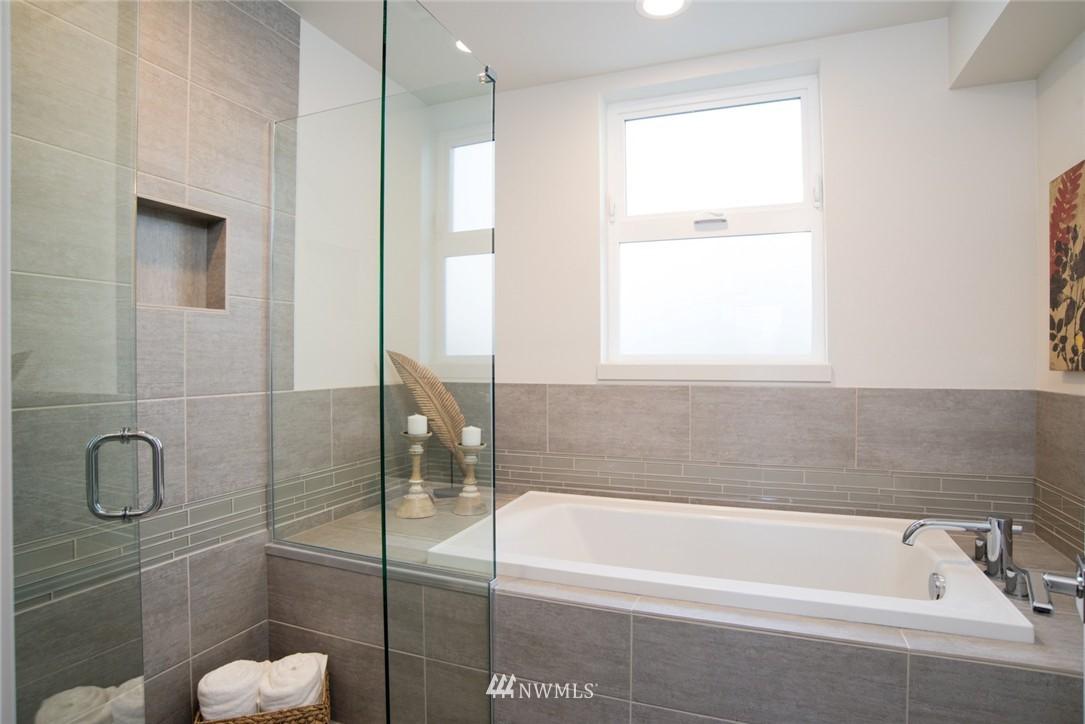 Sold Property | 1608 E Thomas Street Seattle, WA 98112 13