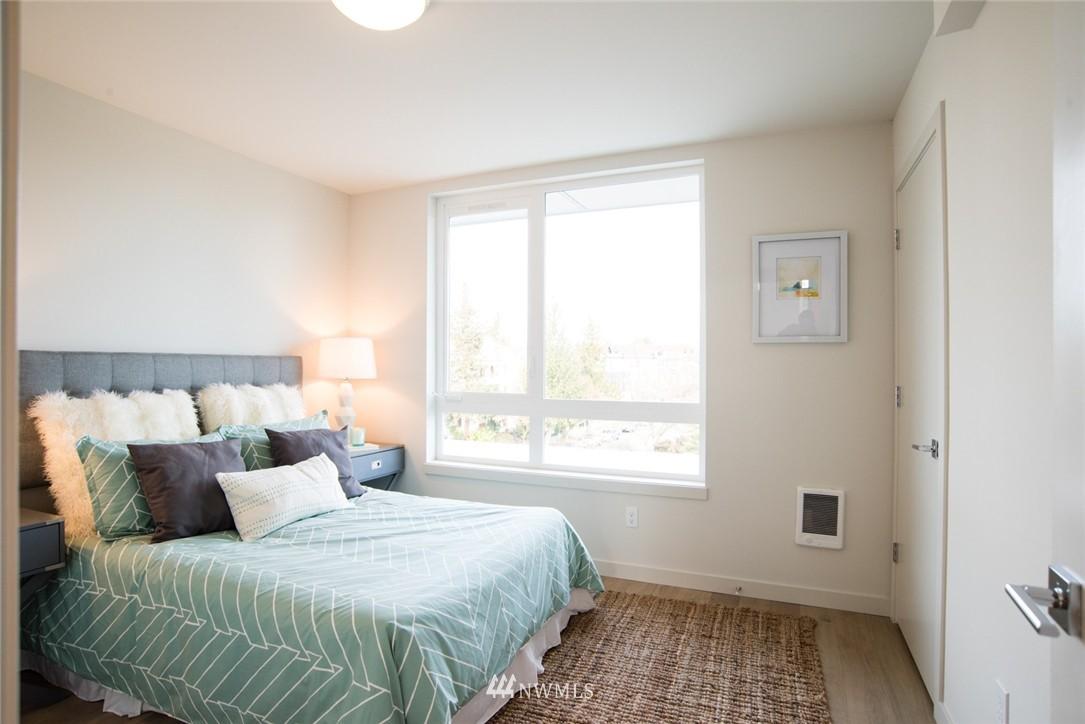Sold Property | 1608 E Thomas Street Seattle, WA 98112 17