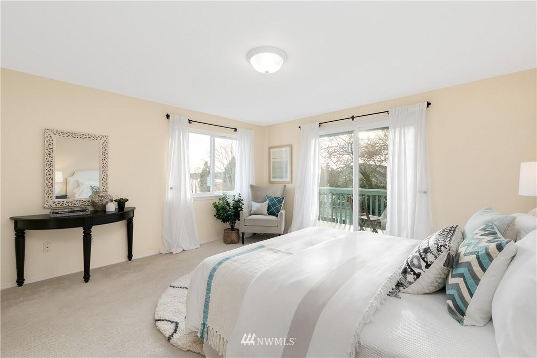 Sold Property | 7423 Sunnyside Avenue N Seattle, WA 98103 6