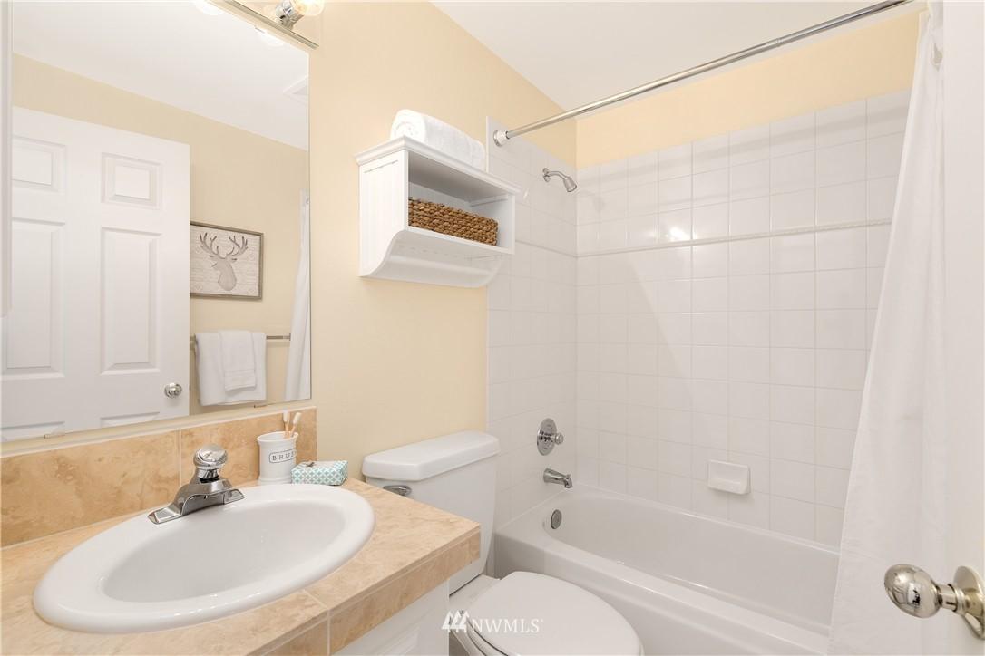 Sold Property | 7423 Sunnyside Avenue N Seattle, WA 98103 10