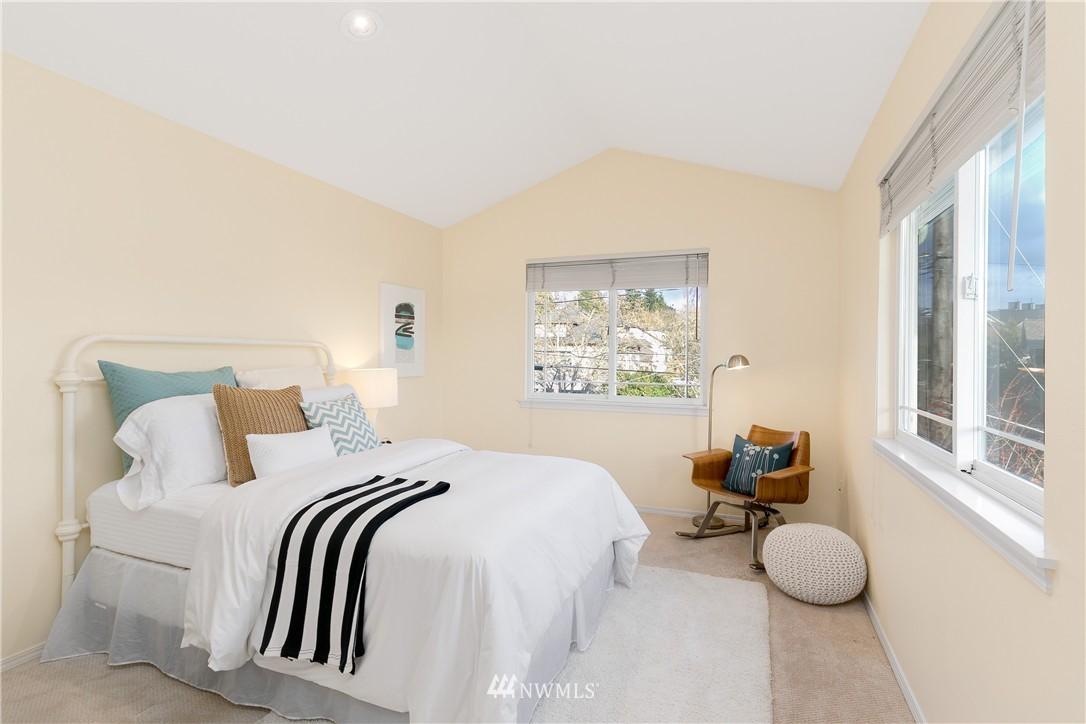 Sold Property | 7423 Sunnyside Avenue N Seattle, WA 98103 11