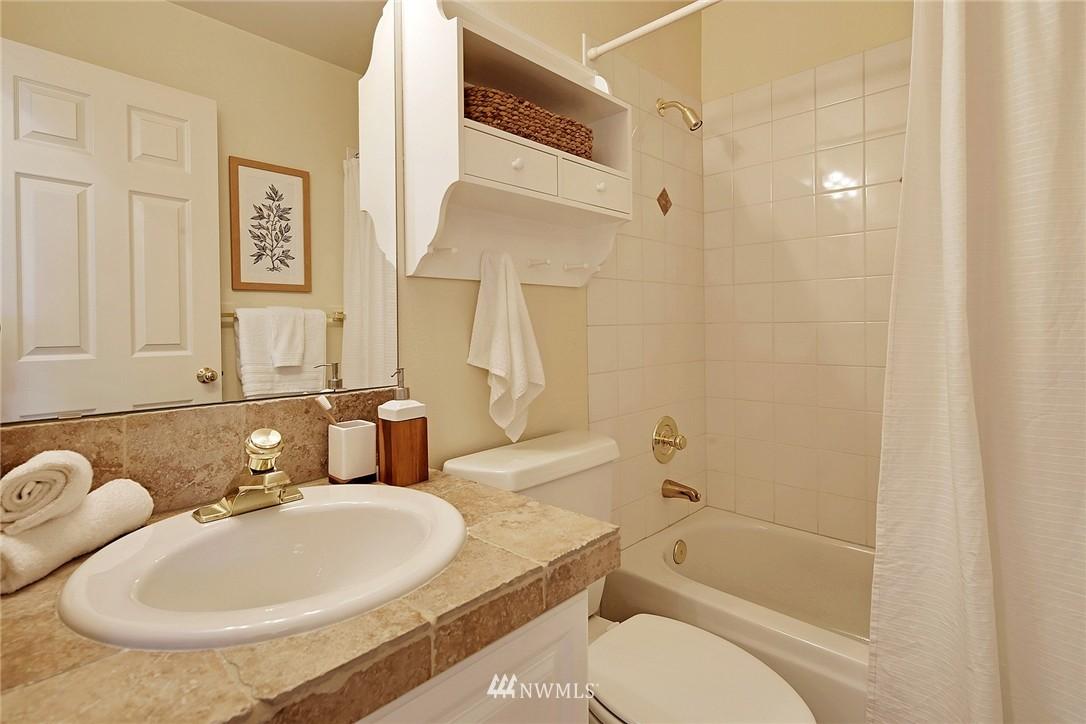 Sold Property | 7423 Sunnyside Avenue N Seattle, WA 98103 12