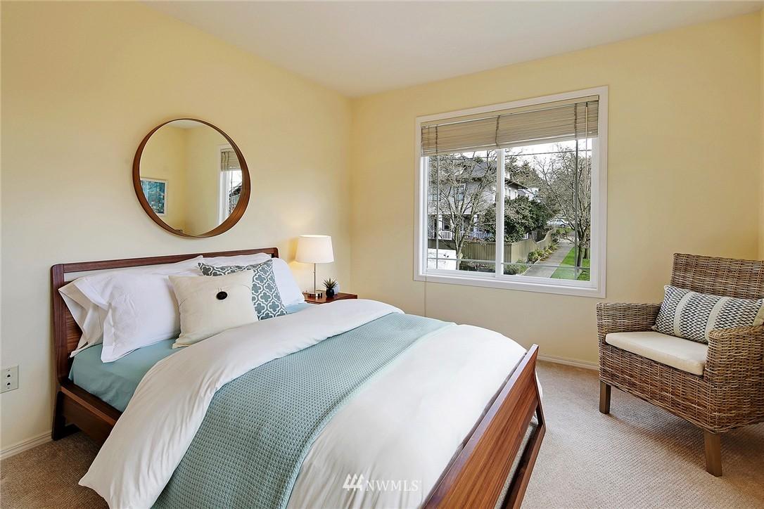 Sold Property | 7423 Sunnyside Avenue N Seattle, WA 98103 9