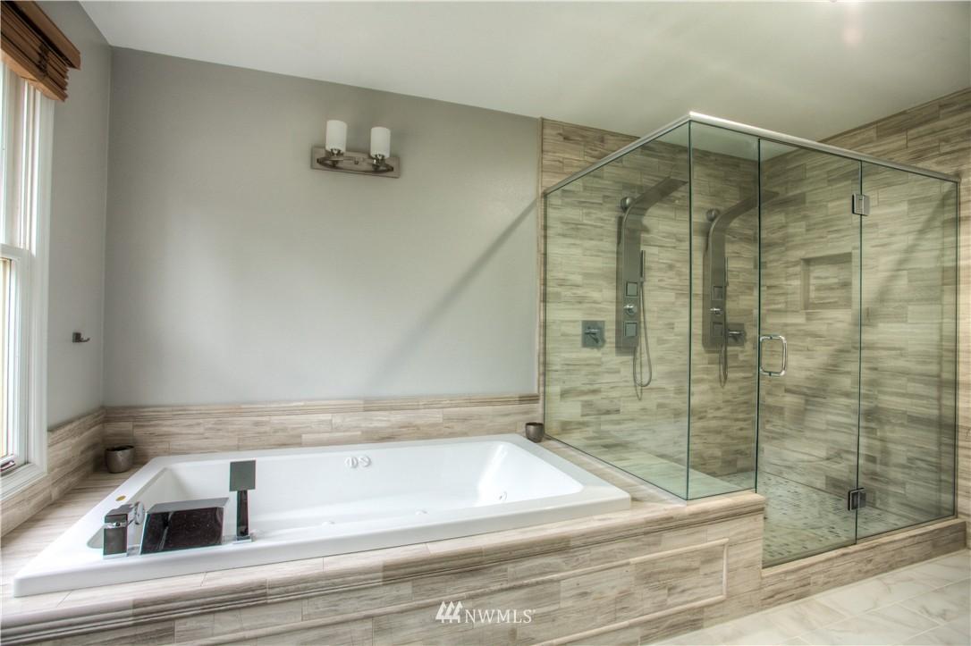 Sold Property   18925 NE 103rd Street Redmond, WA 98052 15