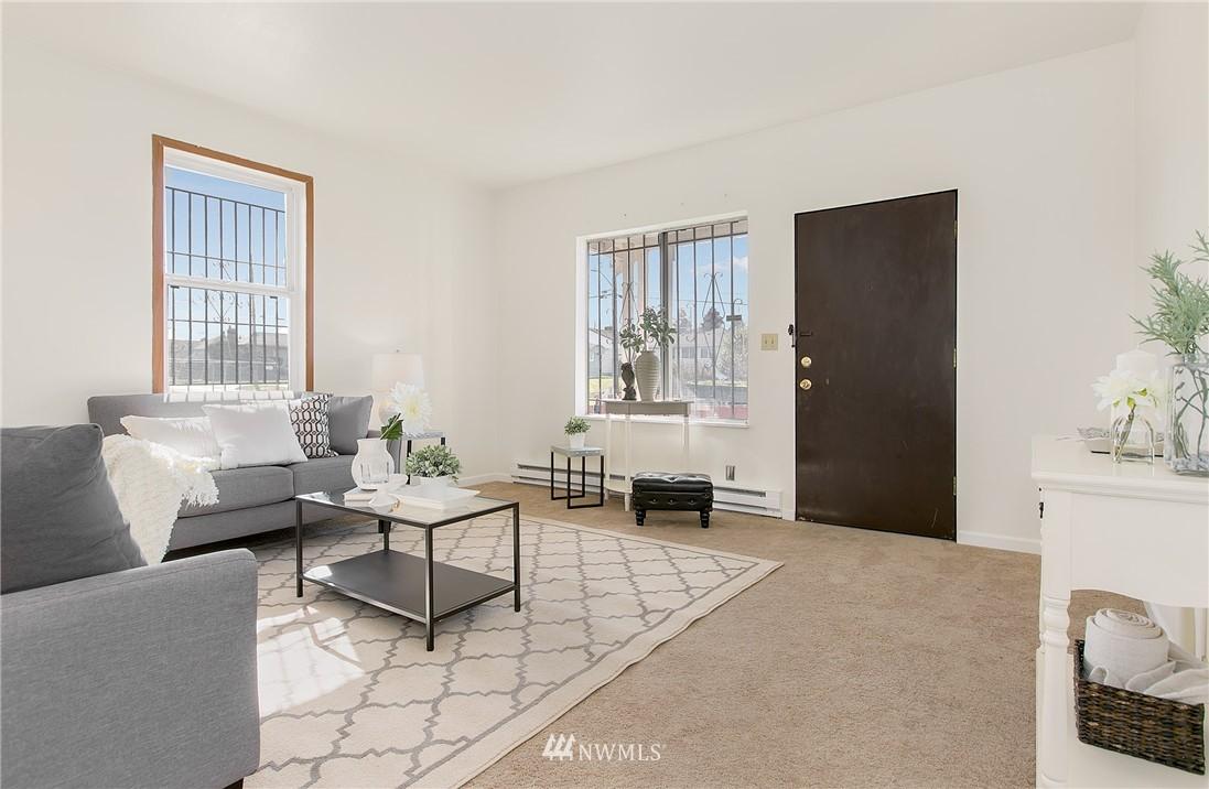 Sold Property | 5956 28th Avenue S Seattle, WA 98108 4