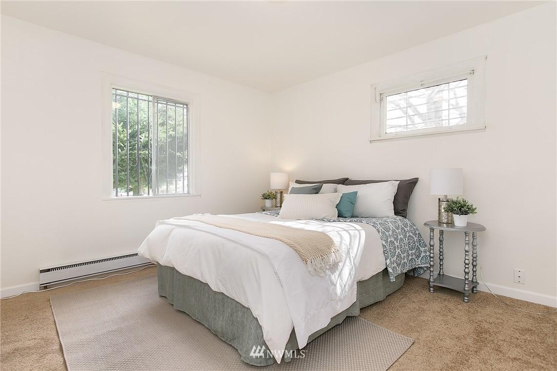 Sold Property | 5956 28th Avenue S Seattle, WA 98108 8