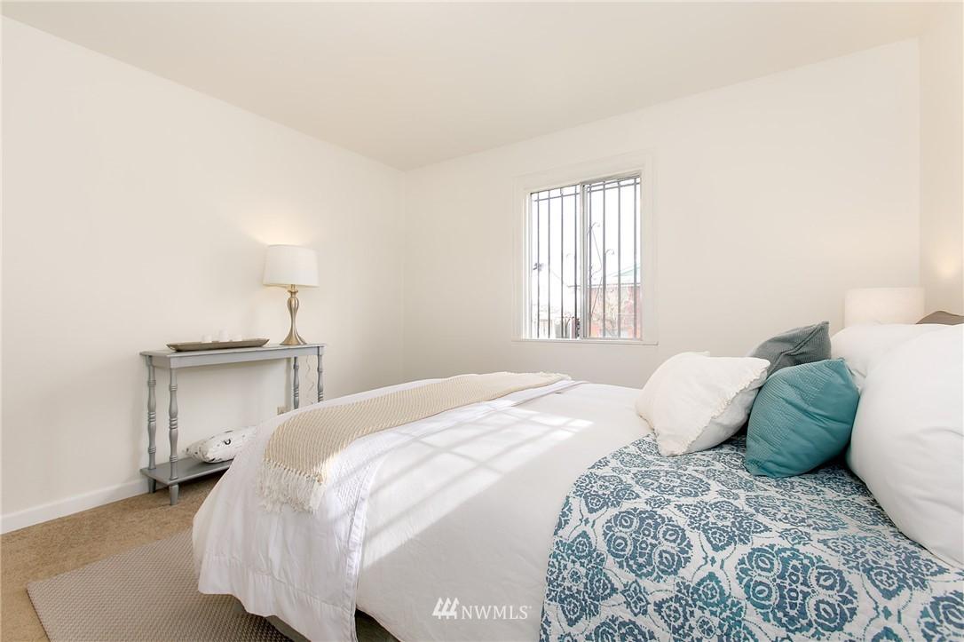 Sold Property | 5956 28th Avenue S Seattle, WA 98108 9