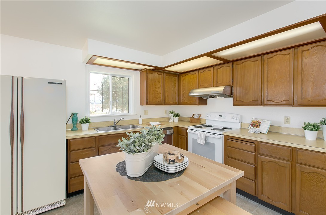 Sold Property | 5956 28th Avenue S Seattle, WA 98108 5