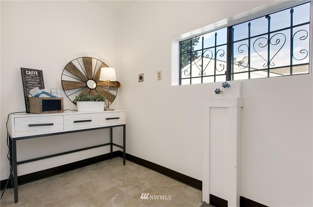 Sold Property | 5956 28th Avenue S Seattle, WA 98108 17