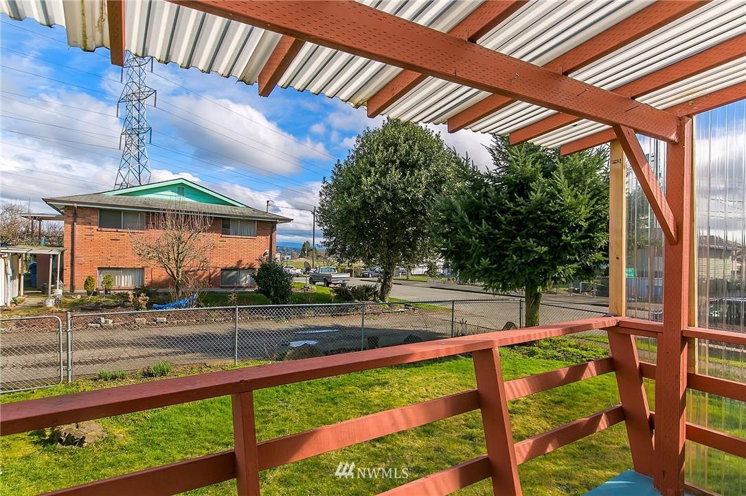 Sold Property | 5956 28th Avenue S Seattle, WA 98108 20