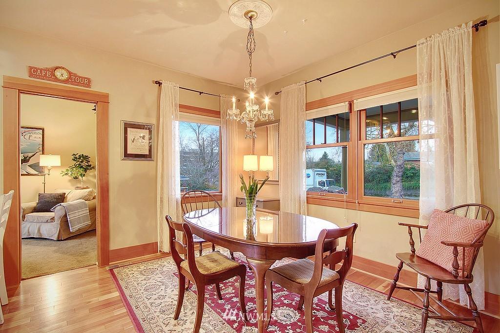 Sold Property | 6513 Sunnyside Avenue N Seattle, WA 98103 3