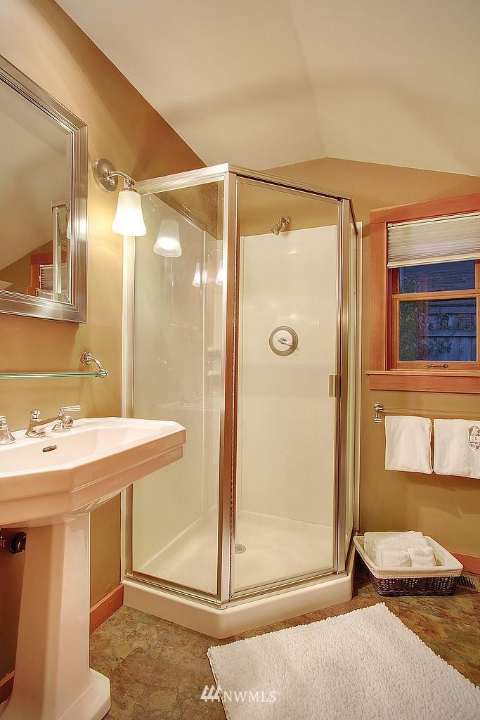 Sold Property | 6513 Sunnyside Avenue N Seattle, WA 98103 12