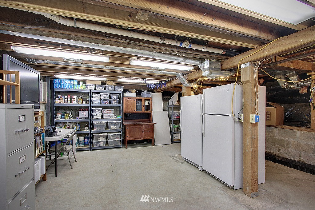 Sold Property | 6513 Sunnyside Avenue N Seattle, WA 98103 13