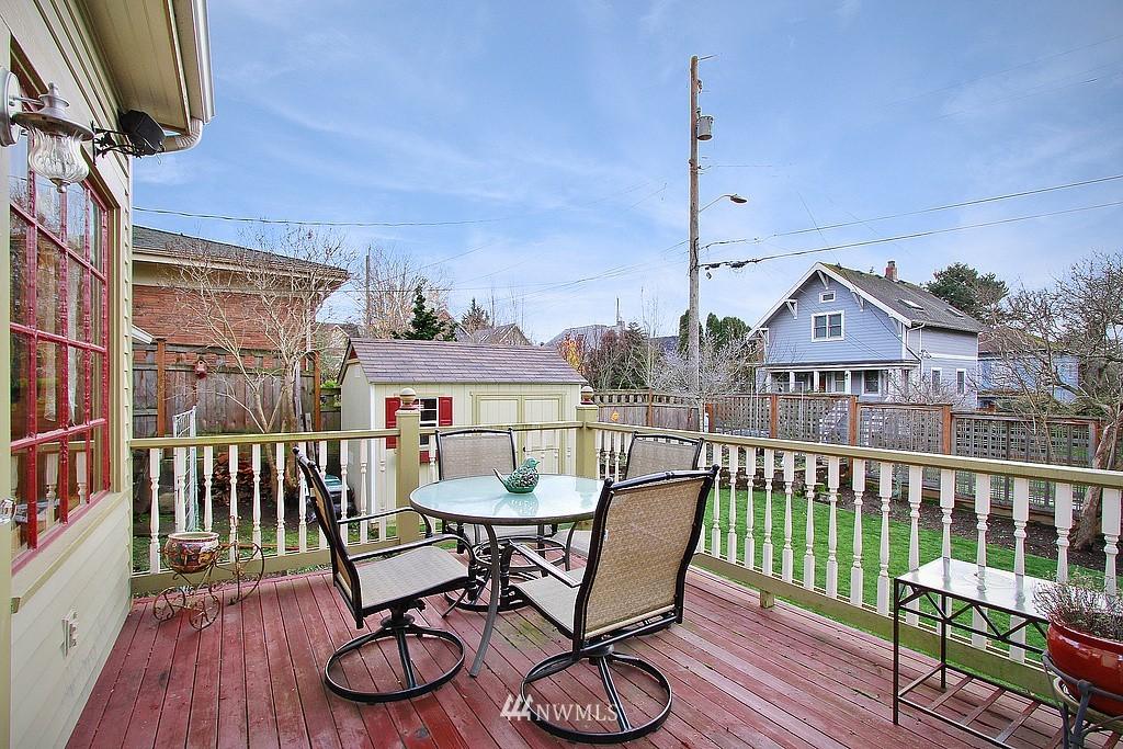 Sold Property | 6513 Sunnyside Avenue N Seattle, WA 98103 16