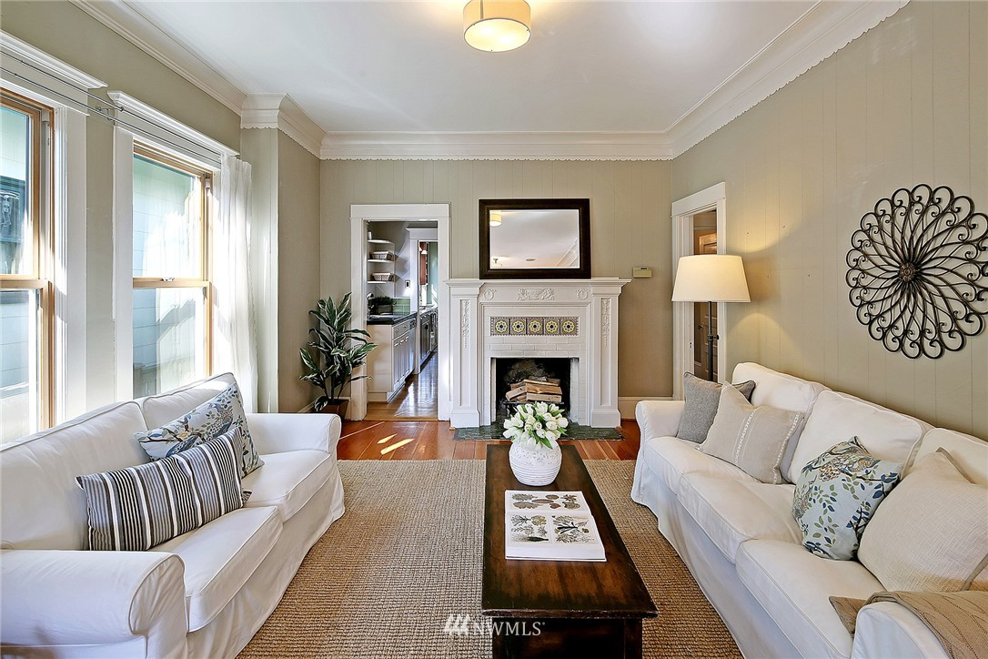 Sold Property   418 N 61st Street Seattle, WA 98103 6