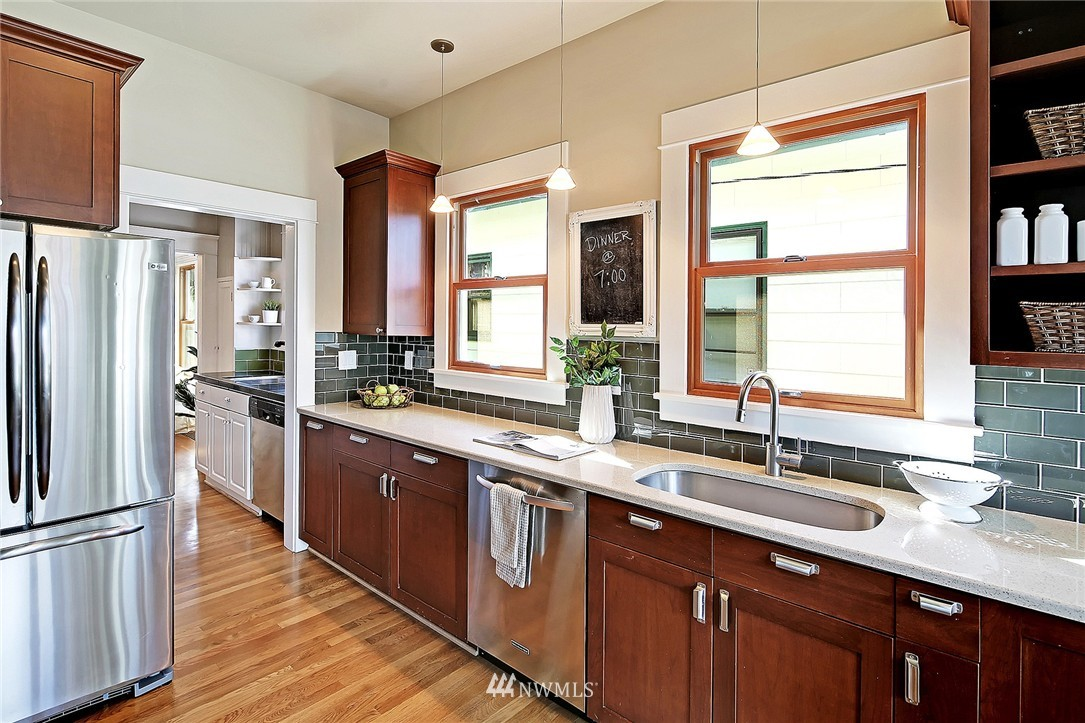 Sold Property   418 N 61st Street Seattle, WA 98103 8