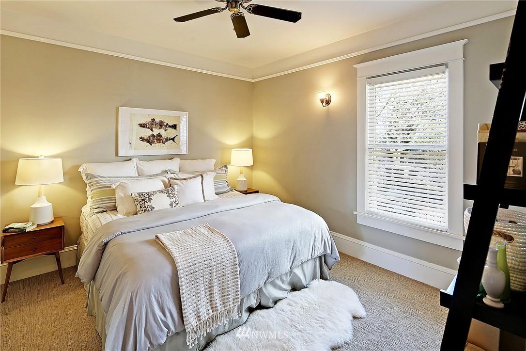 Sold Property   418 N 61st Street Seattle, WA 98103 11