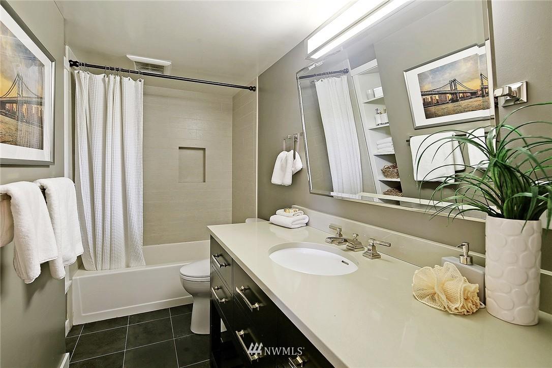 Sold Property   418 N 61st Street Seattle, WA 98103 12