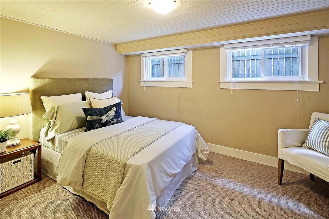 Sold Property   418 N 61st Street Seattle, WA 98103 16