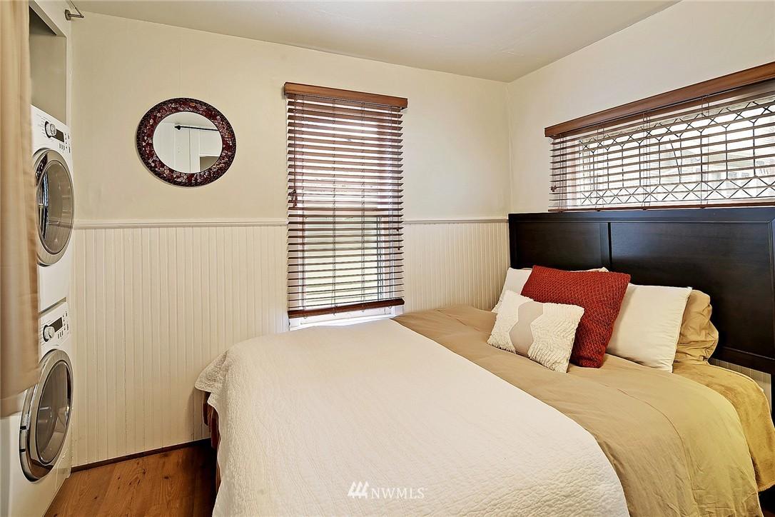 Sold Property   418 N 61st Street Seattle, WA 98103 22