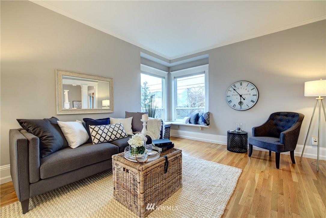 Sold Property | 2223 4th Avenue N Seattle, WA 98109 4