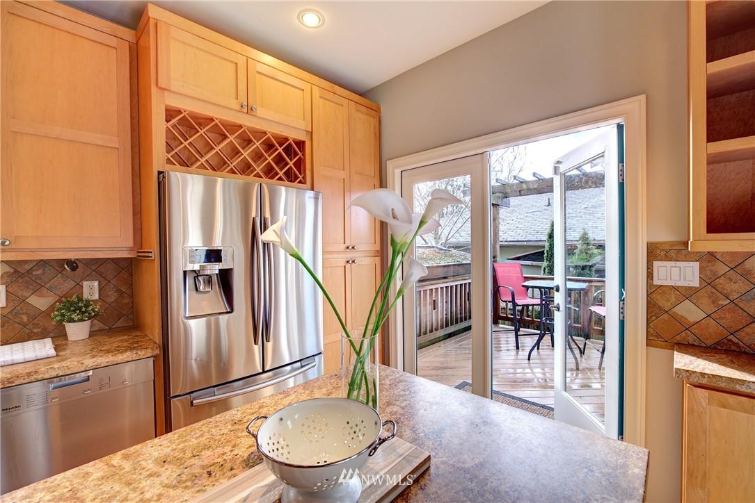Sold Property | 2223 4th Avenue N Seattle, WA 98109 8