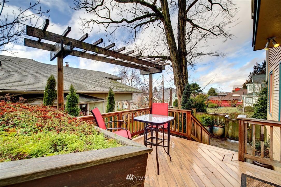 Sold Property | 2223 4th Avenue N Seattle, WA 98109 9