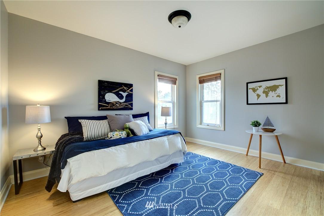 Sold Property | 2223 4th Avenue N Seattle, WA 98109 12