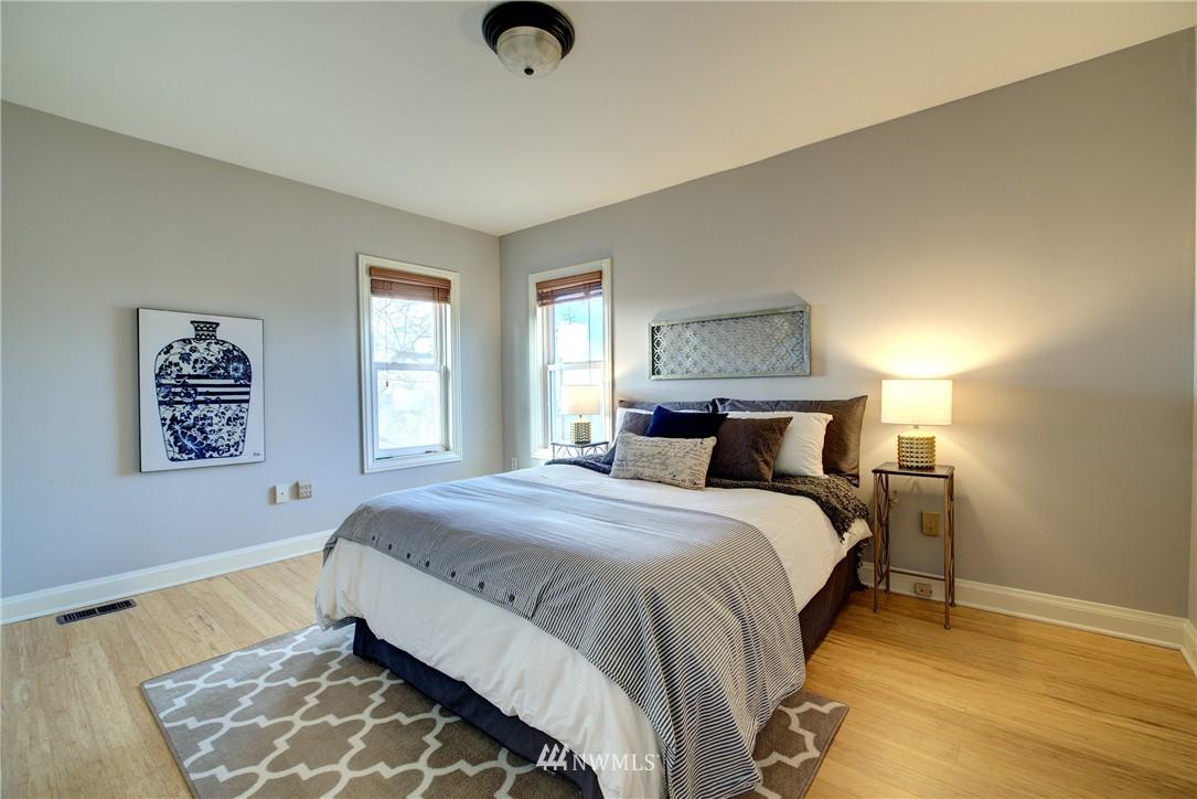 Sold Property | 2223 4th Avenue N Seattle, WA 98109 13