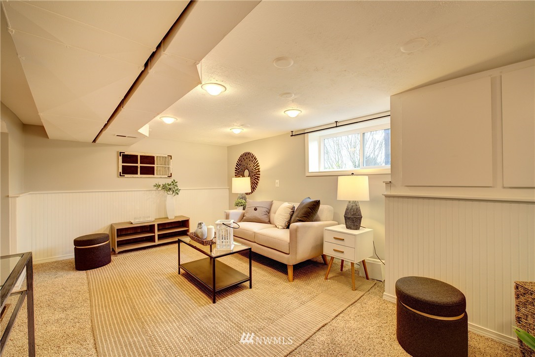 Sold Property | 2223 4th Avenue N Seattle, WA 98109 17