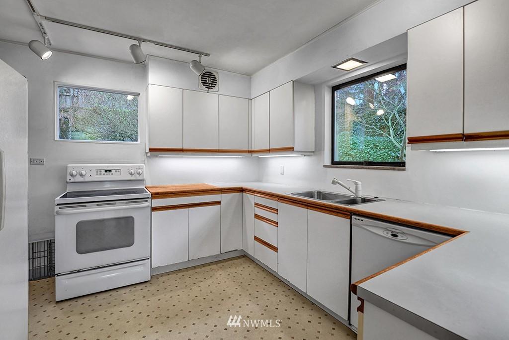Sold Property | 6716 2nd Avenue NW Seattle, WA 98117 4