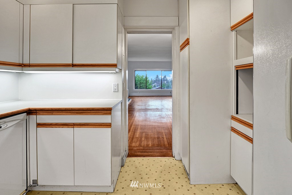 Sold Property | 6716 2nd Avenue NW Seattle, WA 98117 5