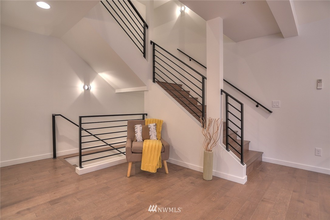Sold Property | 5759 NE 63rd Street Seattle, WA 98115 9