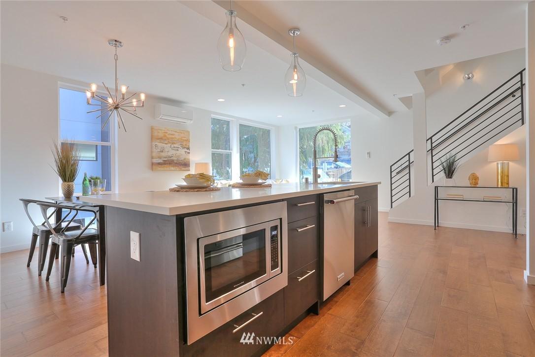 Sold Property | 5759 NE 63rd Street Seattle, WA 98115 4