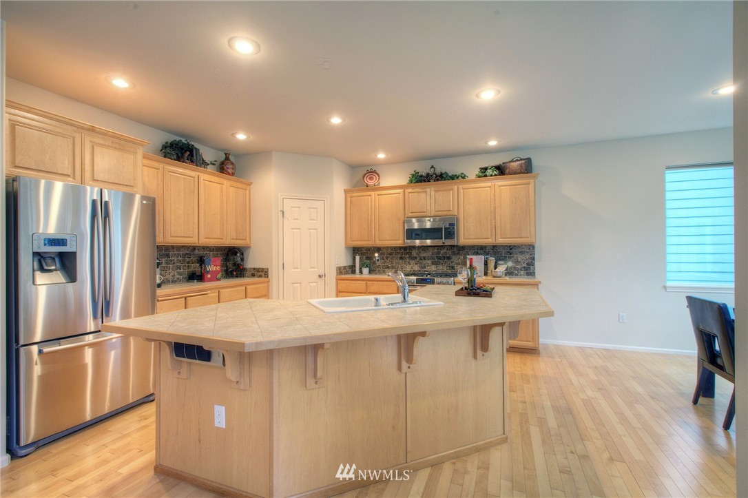Sold Property   1919 NE 32nd Street Renton, WA 98056 4