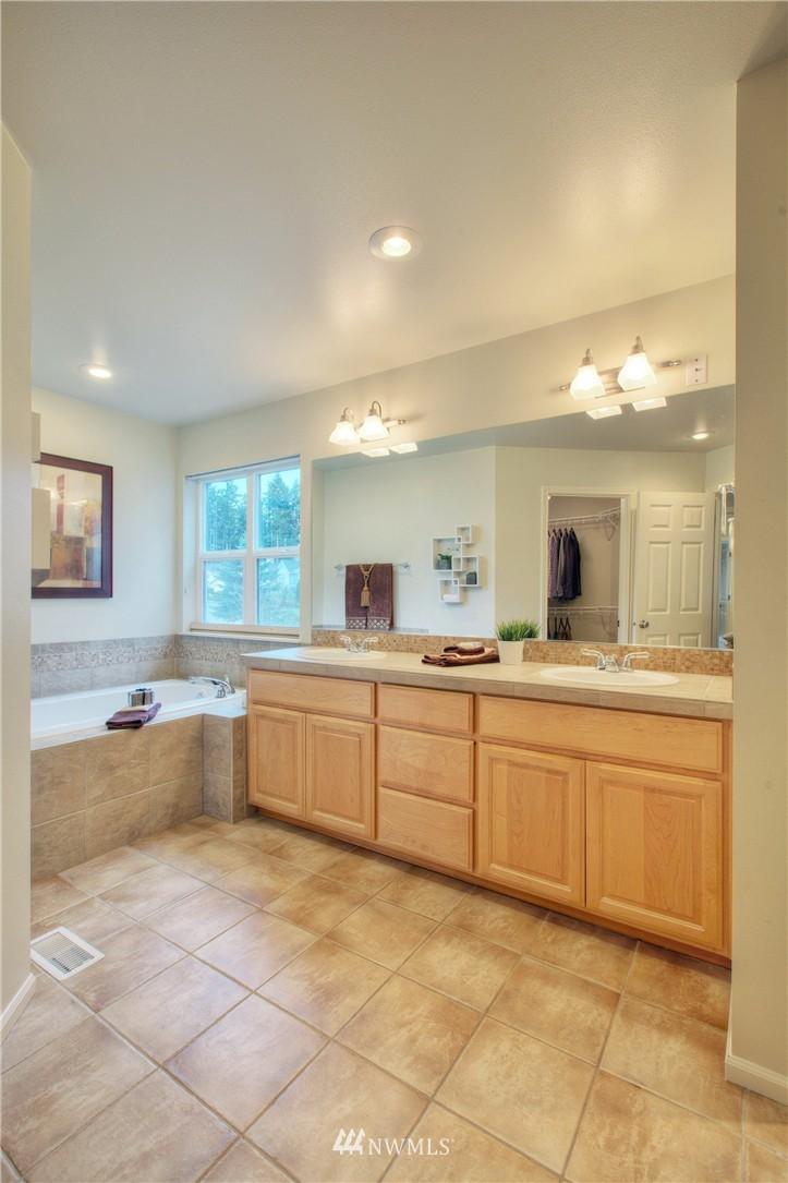 Sold Property   1919 NE 32nd Street Renton, WA 98056 11