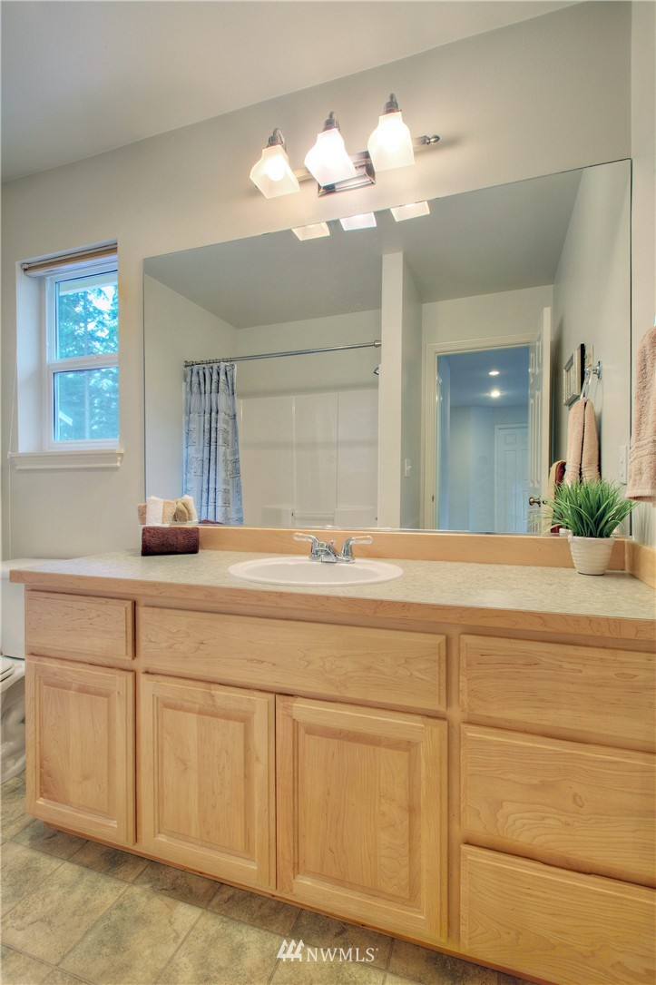 Sold Property   1919 NE 32nd Street Renton, WA 98056 18