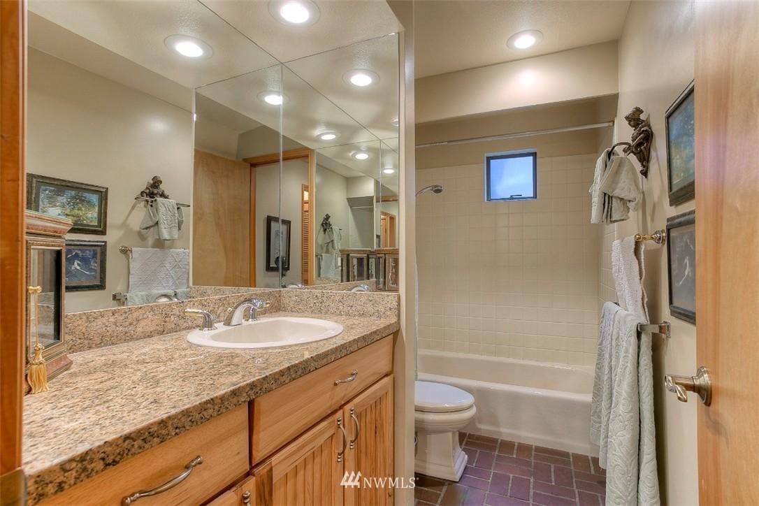 Sold Property | 11611 73rd Place NE Kirkland, WA 98034 8