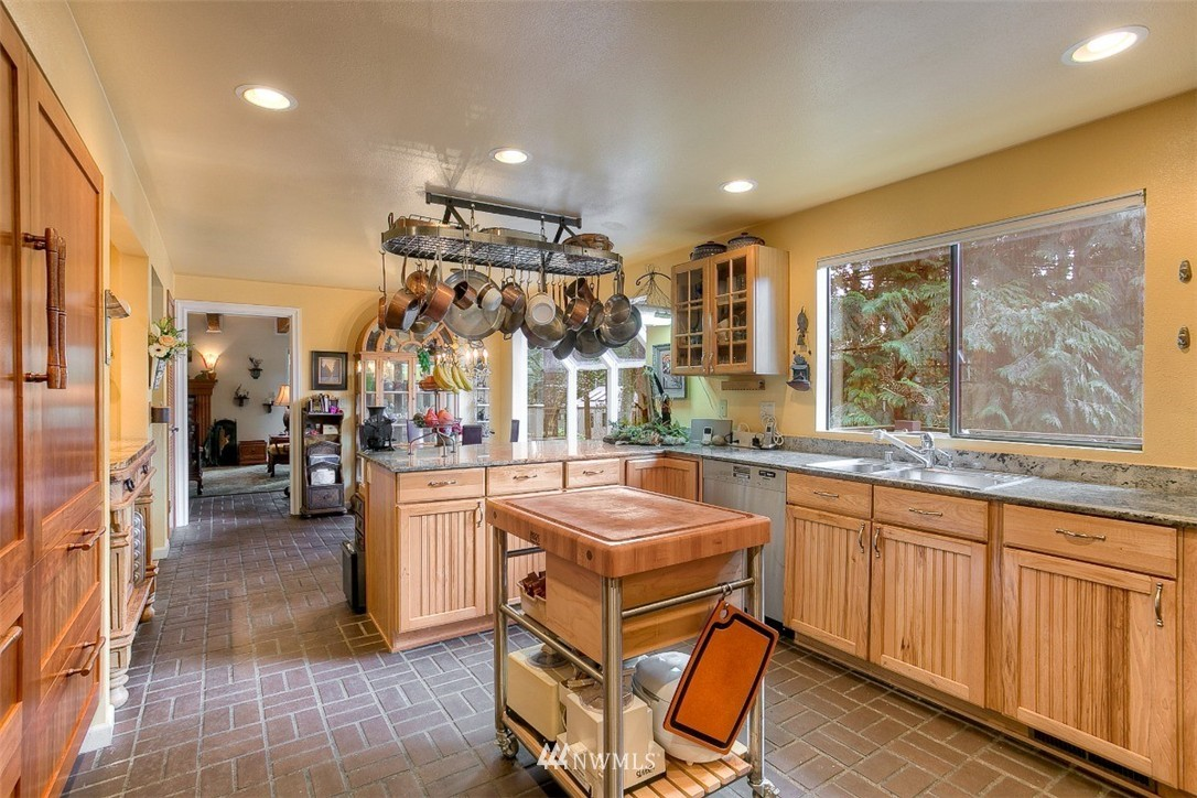 Sold Property | 11611 73rd Place NE Kirkland, WA 98034 13