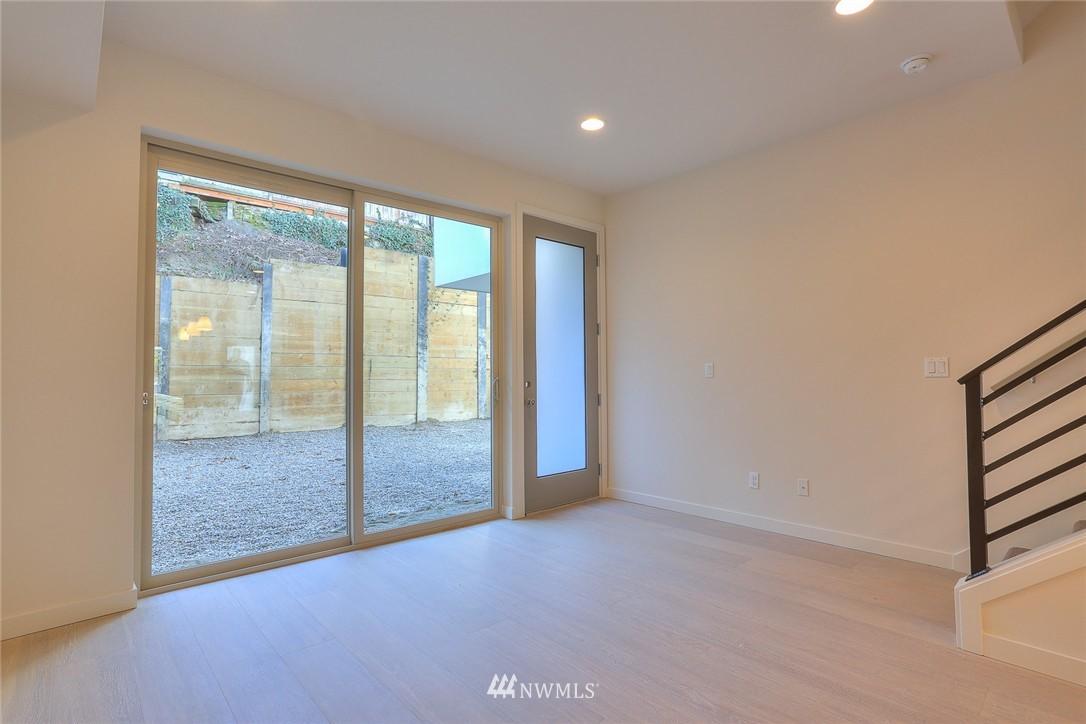 Sold Property   3825 Gilman Ave W Seattle, WA 98199 6