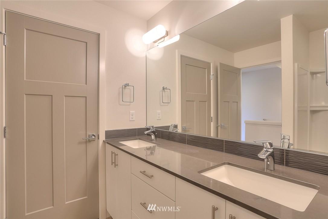 Sold Property   3825 Gilman Ave W Seattle, WA 98199 7