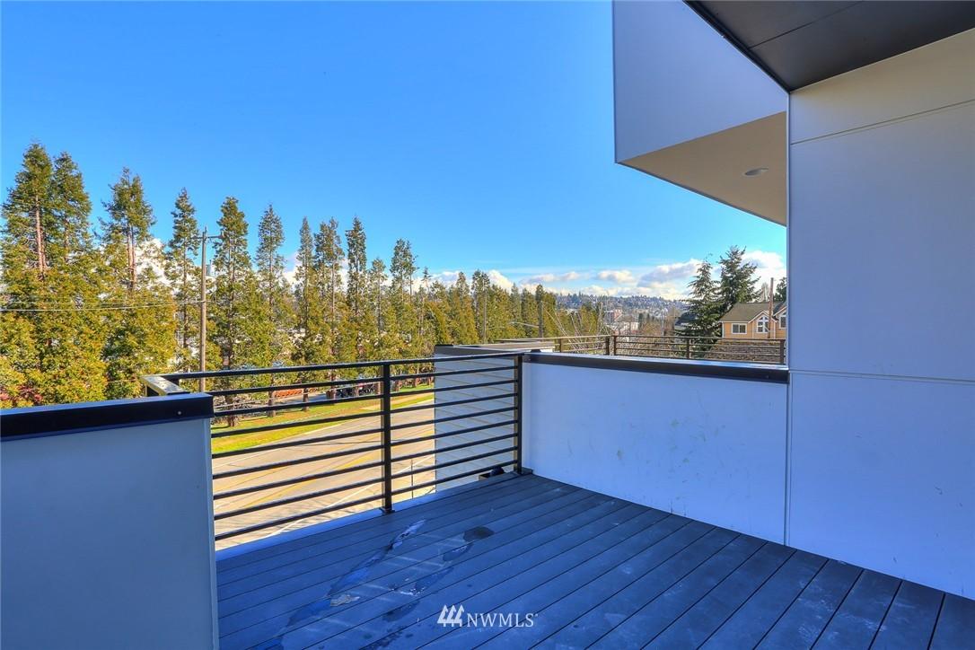 Sold Property   3825 Gilman Ave W Seattle, WA 98199 10