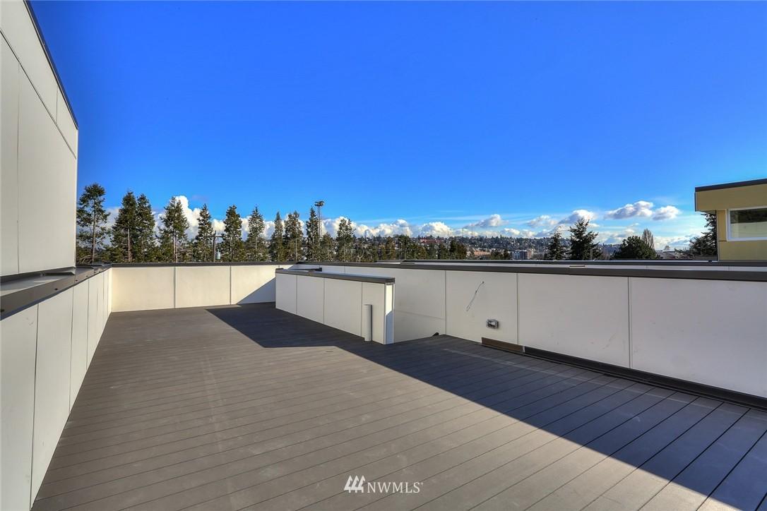 Sold Property   3825 Gilman Ave W Seattle, WA 98199 11